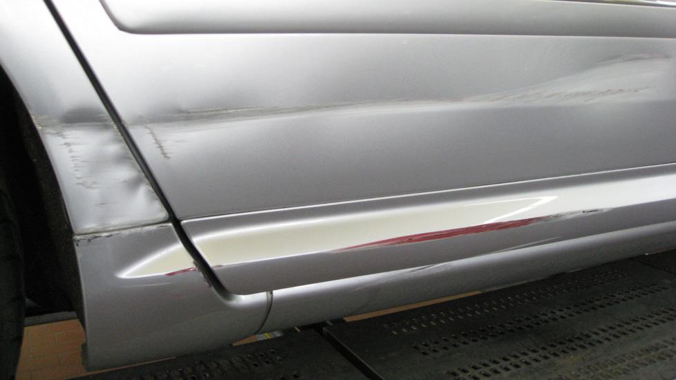 Audi A8 Kniestueck Schaden 1