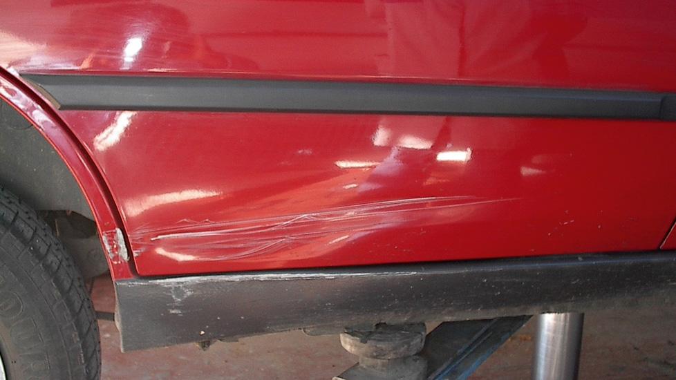 Peugeot Tuere Schweller Radlauf Schaden 1