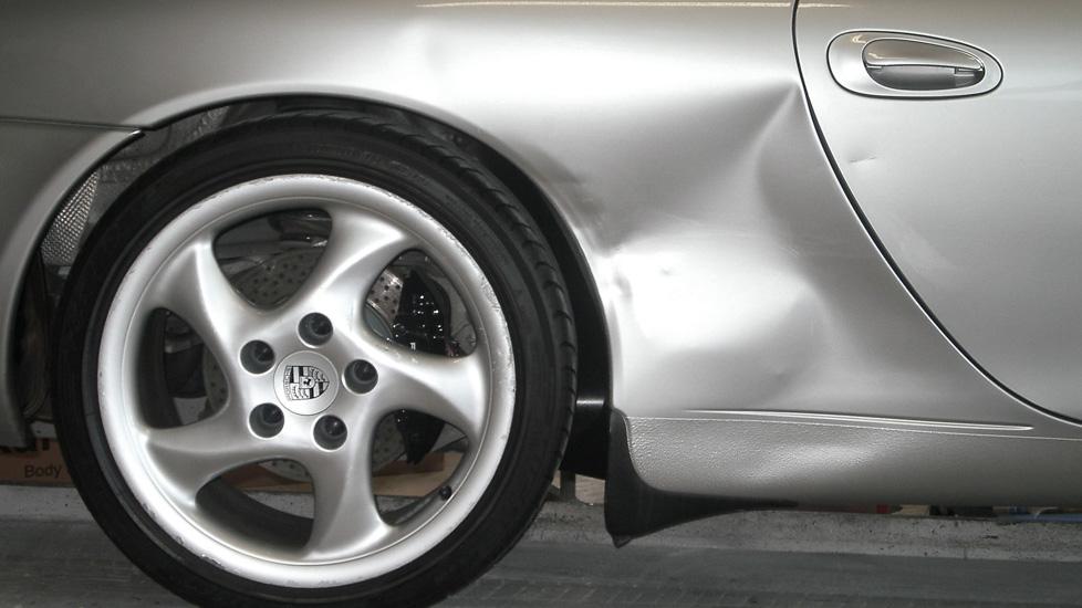 Porsche 911 Seitenwand Schaden 1