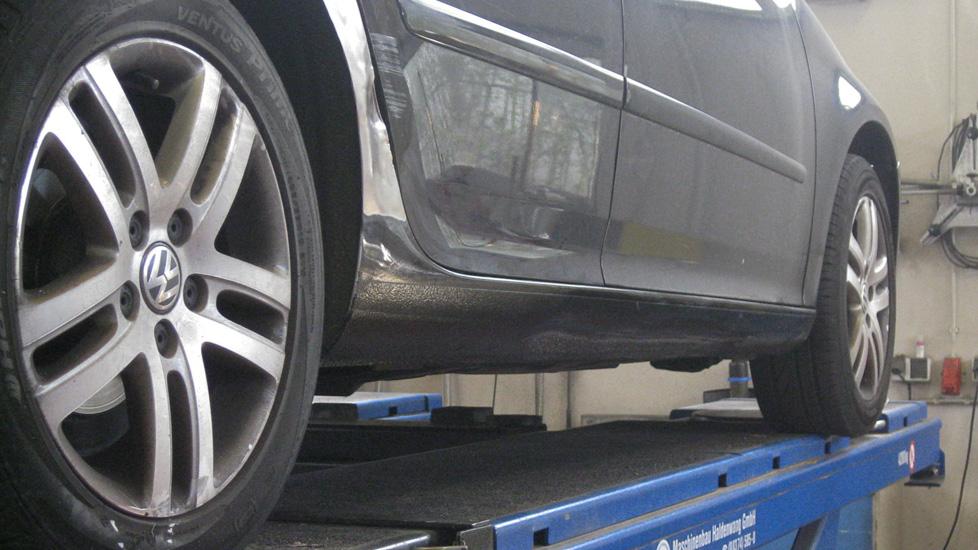 VW Passat Schweller Schaden 1